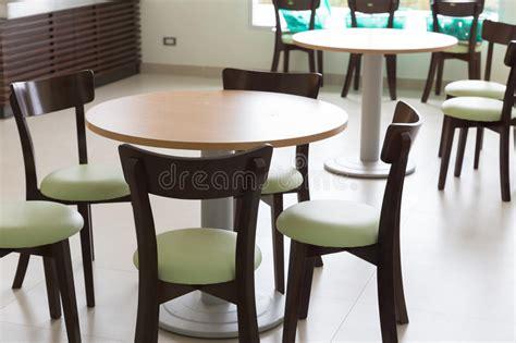 restaurer une commode en bois restaurer une table en bois tout duabord vrifiez