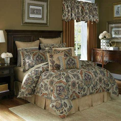 Unique Flatware Sets by Croscill Callisto Comforter Set California King