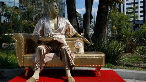 harvey weinstein casting couch harvey weinstein casting couch statue debuts pre oscars