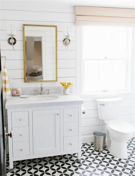 Yellow And White Bathrooms by White And Yellow Bathroom Design Transitional Bathroom