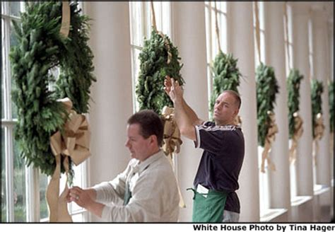 How To Decorate Christmas Tree At Home white house christmas preparations