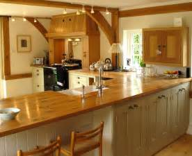 Wood Kitchen Countertops by Charming And Classy Wooden Kitchen Countertops