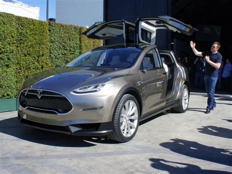 tesla s model x finally an electric car we all want falcons clever and wheels