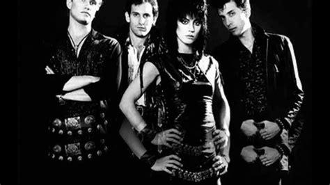 Kaset Joan Jett The Blackhearts And Simple joan jett the blackhearts i rock n roll w lyrics