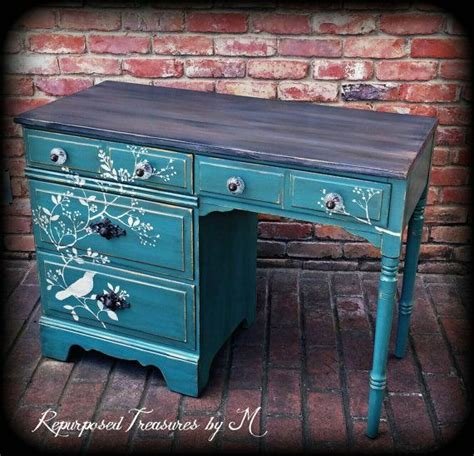 Desk Paint Ideas by 25 Best Ideas About Chalk Paint Desk On Chalk