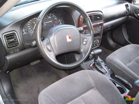 gray interior 2002 saturn l series l300 sedan photo
