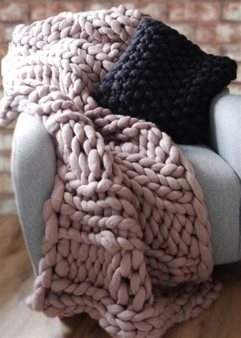 knit chunky 25 best ideas about chunky knit blankets on