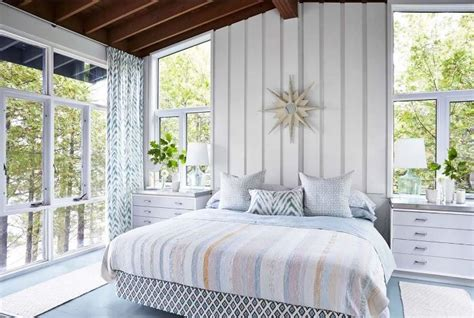 sarah richardson master bedroom vacation in designer sarah richardson s island cottage