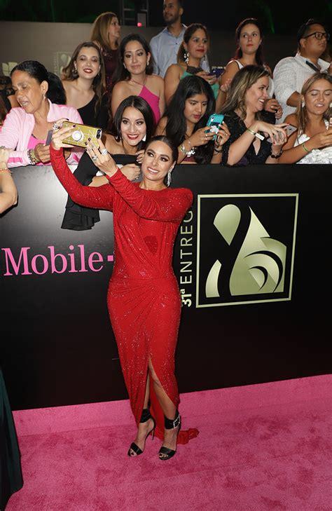 el elegante vestido rojo de galilea montijo que la hizo robar miradas en premio lo nuestro galilea montijo y su espectacular figura en los premios lo nuestro foto