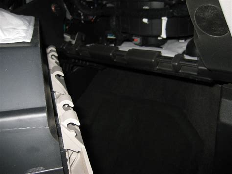 2010 Chevy Equinox Cabin Air Filter by How To Change The Air Filter On Chevrolet Equinox 2010