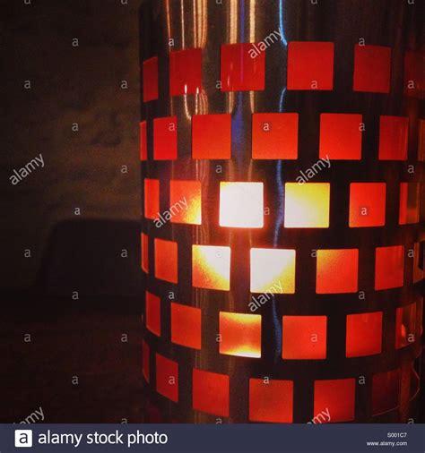 luce candela la luce di una candela lada foto immagine stock