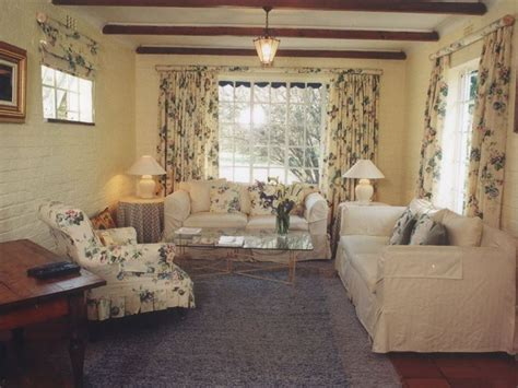 Pretty Country Comfort by De Kuilen Country House