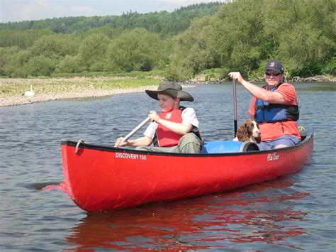 canoes uk canoe hire on the river wye mid wales blue mountain