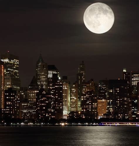 moonlight manhattan from manhattan with books 7 moon photographs pics