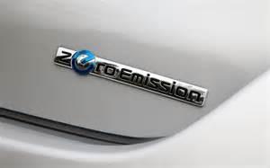 Nissan Leaf Emissions 2011 Nissan Leaf Zero Emission Badge Photo 5