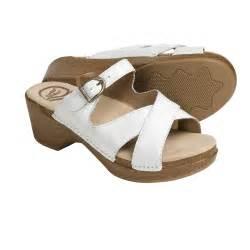 Dansko sela sandals leather for women in white crinkle patent