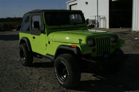 Spray In Liner For Jeep Wrangler 92 Jeep Wrangler Green Interior Lined With Bedliner