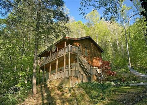 gatlinburg 2 bedroom cabins 22 best images about smoky mountain river cabins on