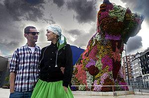 bimba bose como yo te amo el guggenheim de bilbao acoger 225 un desfile surrealista del