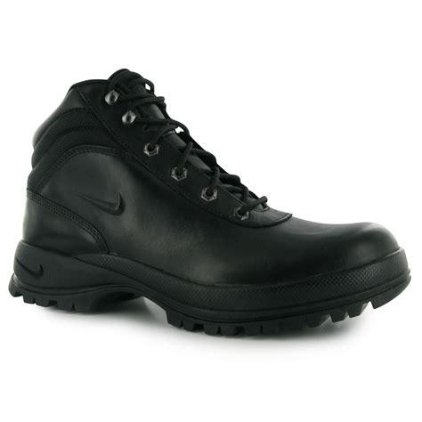 nike walking boots mens nike huarache gold price nike mandara s walking