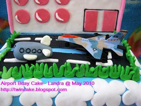 Kue Ultah Dj twincake airport birthday cake landra
