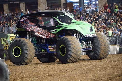 fort wayne monster truck show monster trucks coming to fort wayne the communicator
