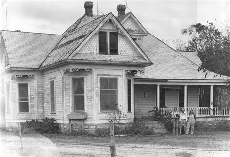 the real texas chainsaw massacre house interview with former leatherface house occupant