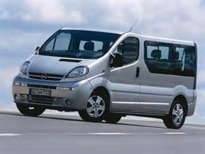 Opel Vivaro 9 Seater Opel Vivaro 2002 1 9 Cdti Mt L2h2 2900 6mt Fourgon