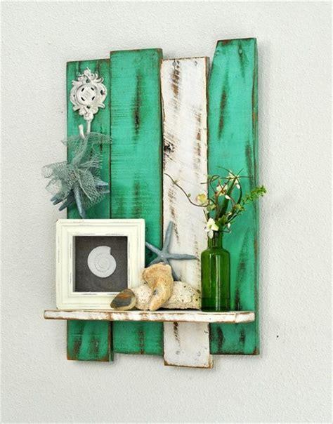 10 DIY Pallet Art Style Shelves   1001 Pallet Ideas