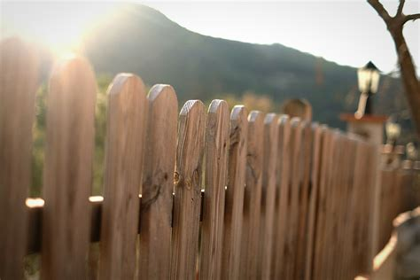 how much does it cost to fence a backyard how much does it cost to fence in your yard spending