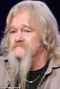 did billy brown go to prison upcoming 2015 2016 alaskan bush people s billy and joshua brown are jailed