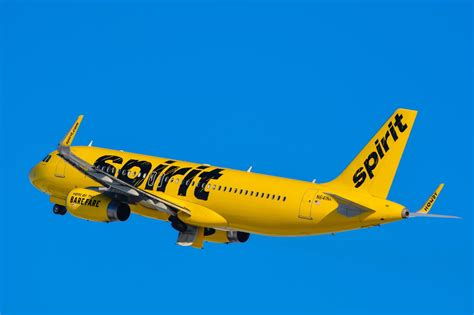 spirit airlines the complete guide to flying and avoiding fees