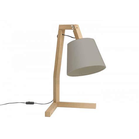 Lampe sur pied design scandinave en bois Oud S signée Bellila