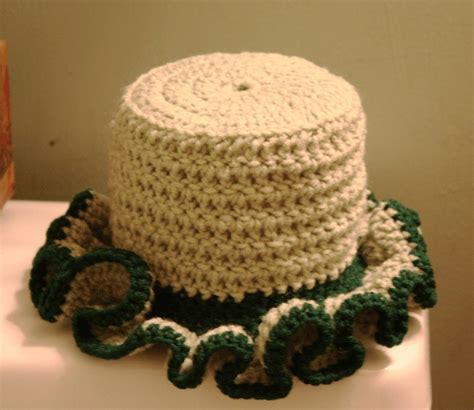 pattern crochet toilet paper cover 17 best images about cr chet t ilet paper c ver on