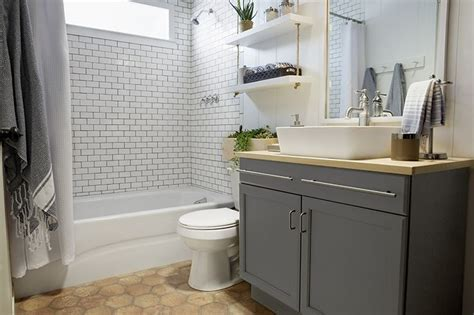 builder grade bathtubs a builder grade bathroom transformation with lowe s love