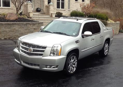 how to sell used cars 2011 cadillac escalade esv transmission control purchase used 2011 cadillac escalade premium in higbee missouri united states for us 22 900 00