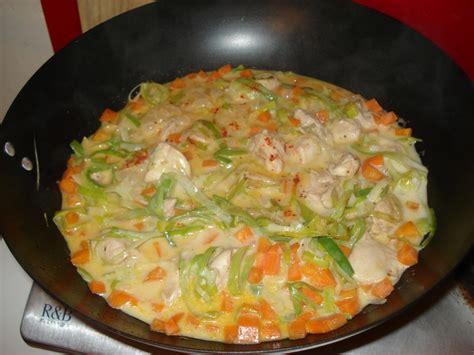 recettes de cuisine au wok recette de poulet et l 233 gumes au lait de coco bouillon tha 239