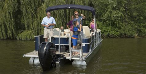 small pontoon boat dealers 10 great small pontoons boat