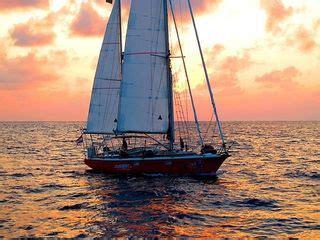 zeilboot laura laura dekker 16 sets sail into piracy plagued indian