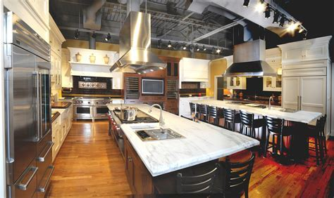 Sub Zero & Wolf Appliance Showrooms Host Two Great 2010