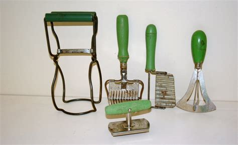 Vintage Kitchen Utensils by Vintage Green Handle Kitchen Utensils