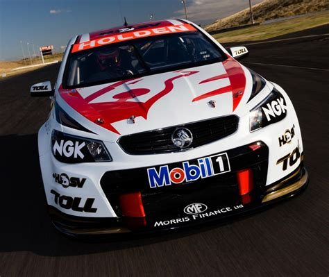 holden vf commodore  supercars racecar  holden