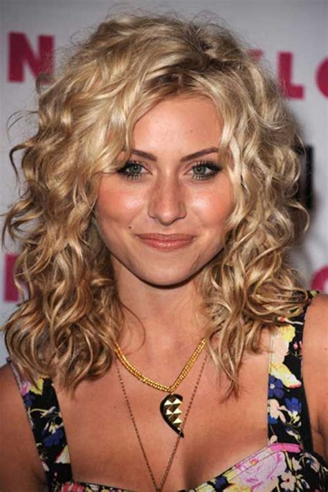 the inbetween haircut for short curly hair growing out 330 best hairstyles women curly images on pinterest