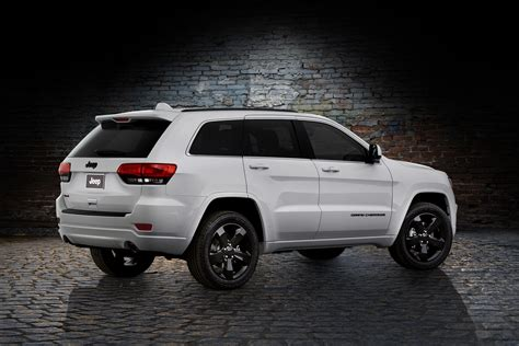 jeep cherokee altitude jeep altitude models return with 2014 cherokee grand