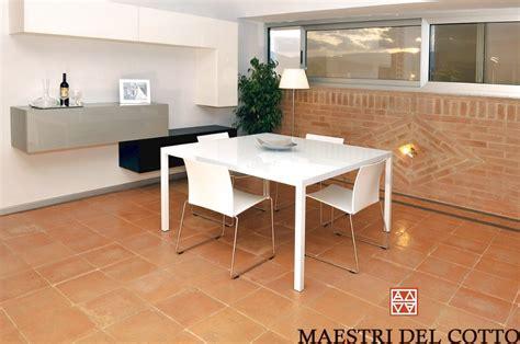 arredamento con pavimento in cotto arredare una casa moderna con pavimento in cotto citt 224