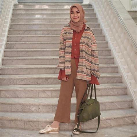 Outer Pompom Baju Atasan Wanita berbagi dan menjadi inspirasi tambo
