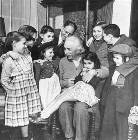 biography of albert einstein as a child albert einstein biography education discoveries