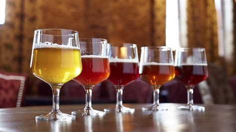 lover s chicago best breweries brewpubs and bars series books best bars in chicago for craft and other brews