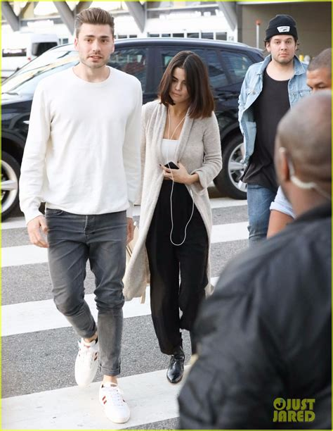 Lepaparazzi News Update Justin And Cameron Up by Justin Bieber Selena Gomez Attend Second Church Service