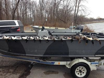 layout boat diver hunting lake michigan layout duck hunting blue ribbon outdoors